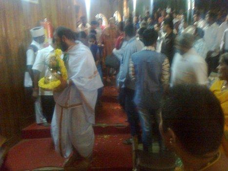 Sri Jayendra Saraswati was given traditional welcome