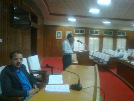 Paper reading session - English - Senate Hall