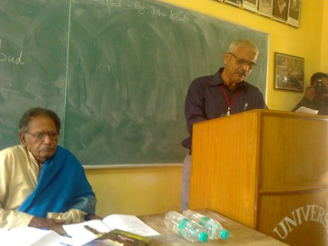 Paper reading session - English - English department class room