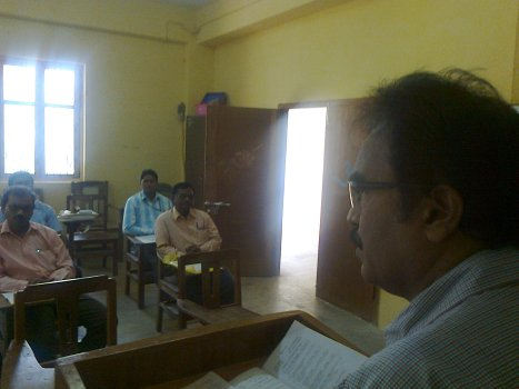 The sectional president Dr Krishna Reddy came by 9.48 am and thus he apologized for the delay and started presenting his paper